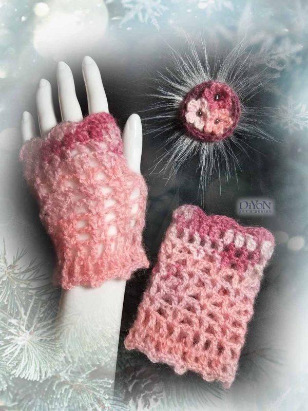 Ажурни розови ръкавици с мохер
