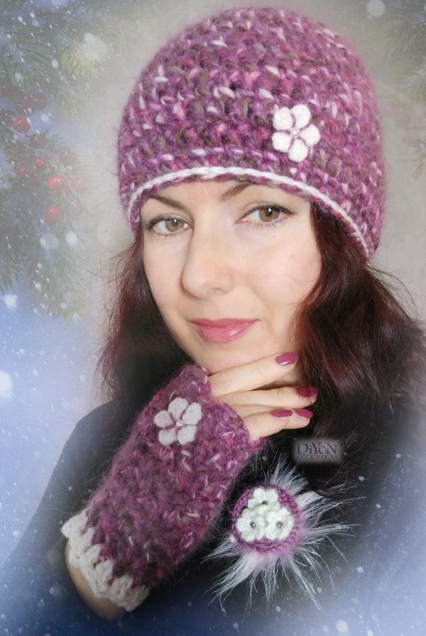 Дамски комплект шапка и ръкавици с мохер