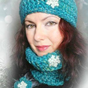 Дамски плетен комплект шапка и шал