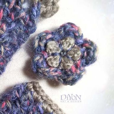Плетена брошка цвете с мохер