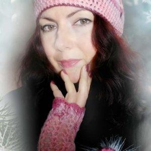 Плетени розови шапка и ръкавици от мохер