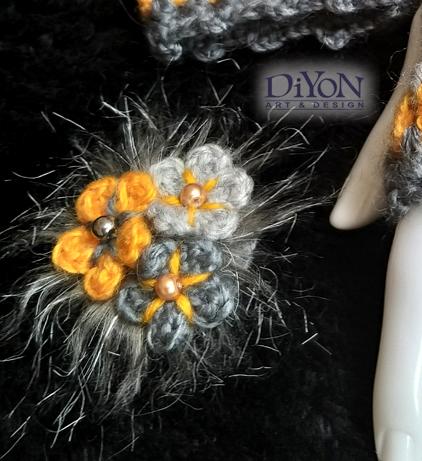 Брошка шнола с цветя и перли сива