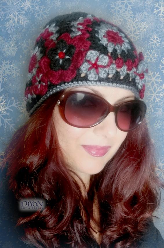 Плетена шапка от квадрати в черно