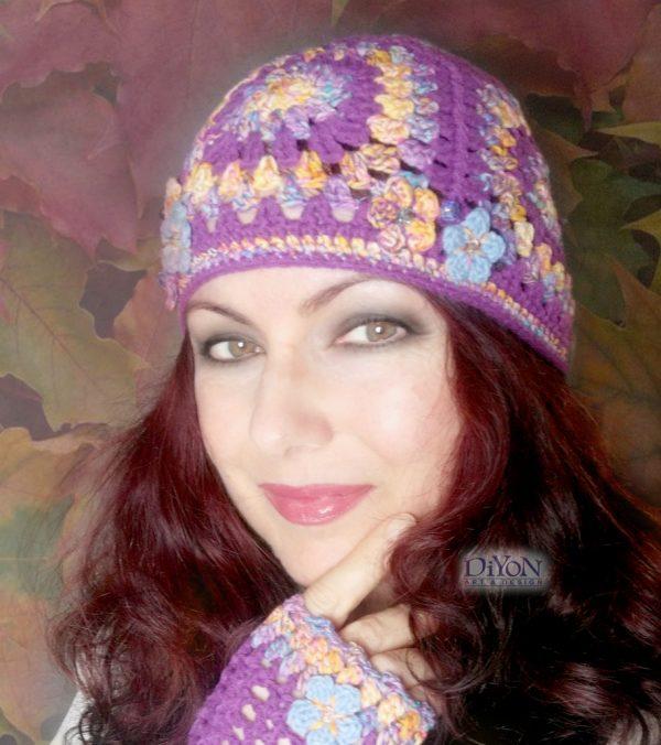 Плетена шапка с квадрати в лилаво