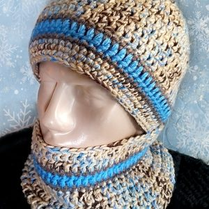 Плетена шапка за мъже в бежаво