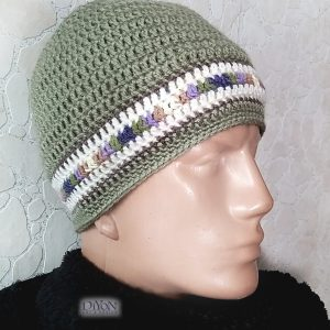Плетена шапка за мъже в зелено