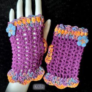 Плетени ръкавици в лилаво с памук