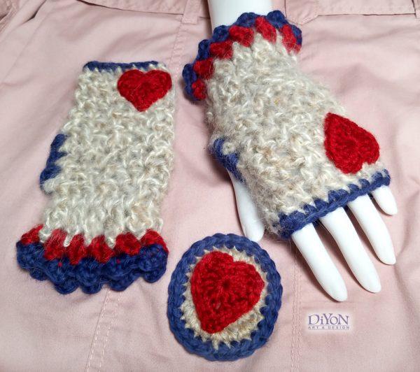 Луксозни ръкавици с мохер и сърца
