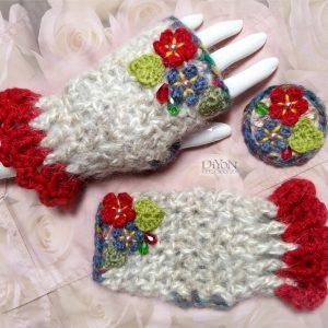 Ръкавици с мохер в бежаво и цветя