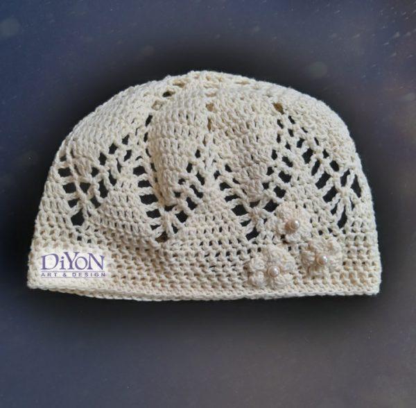 Дамска шапка плетена на една кука