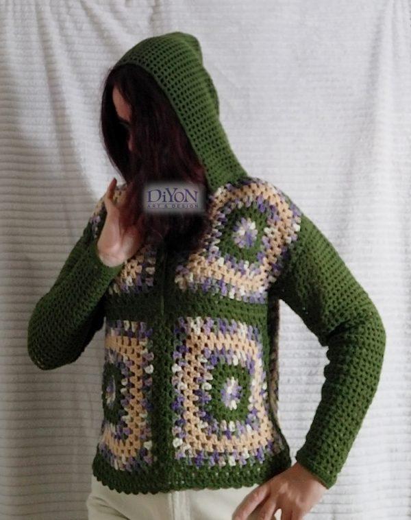 Дамски пуловер на една кука с качулка